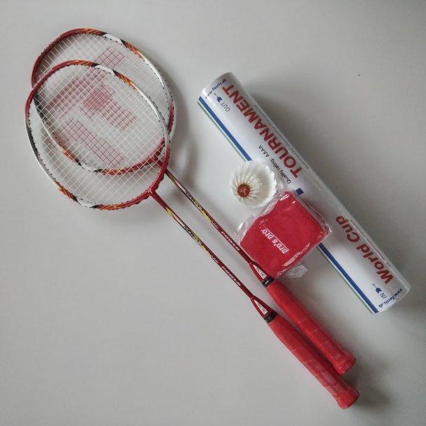 2 stk. - PAKKE. med kvalitets badmintonbolde og greb.  X3 NANO POWER